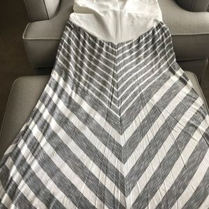 Dresses & Skirts - Maternity maxi skirts